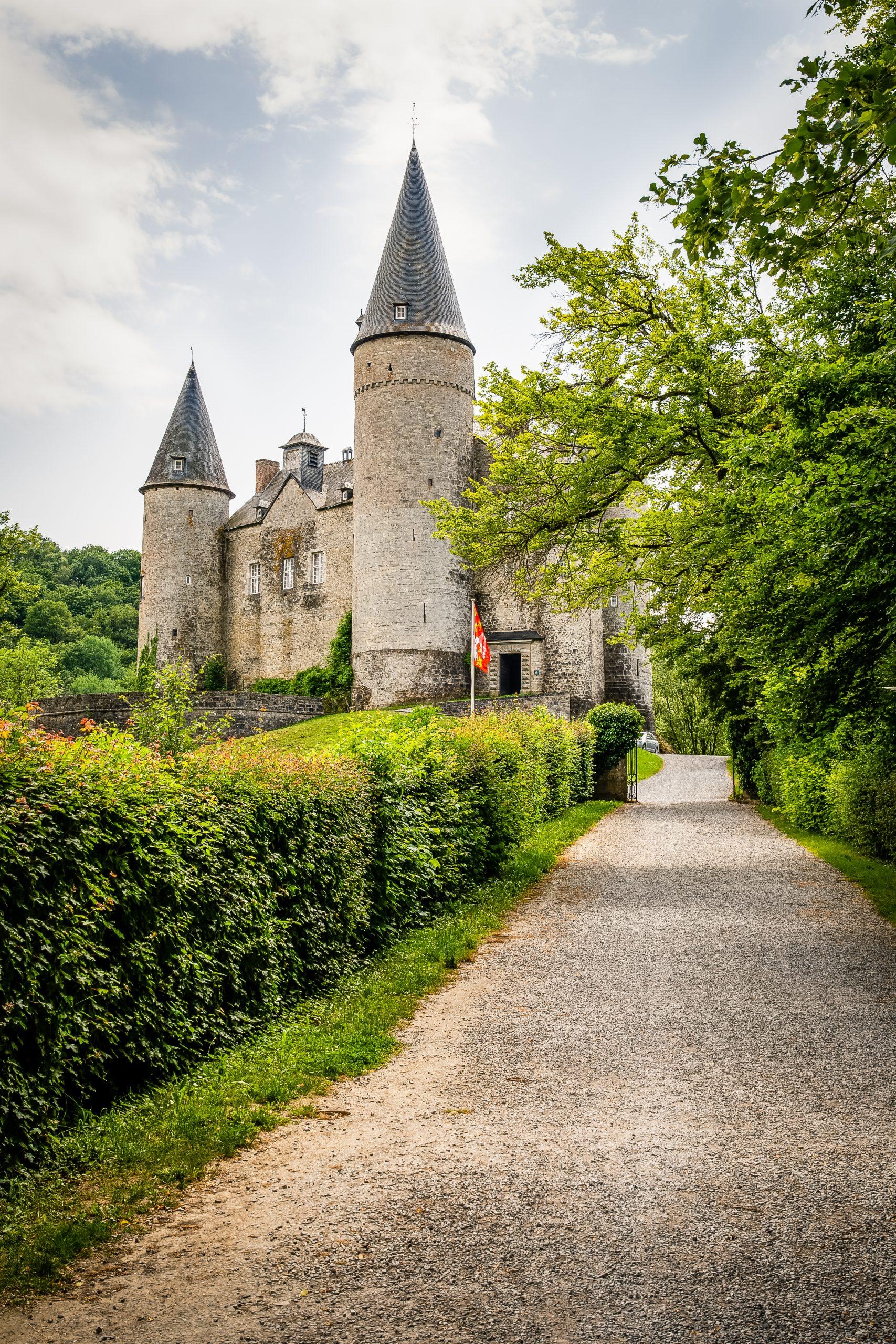 Toerroute Van Dinant naar Saint Hubert - Kasteel van Vêves