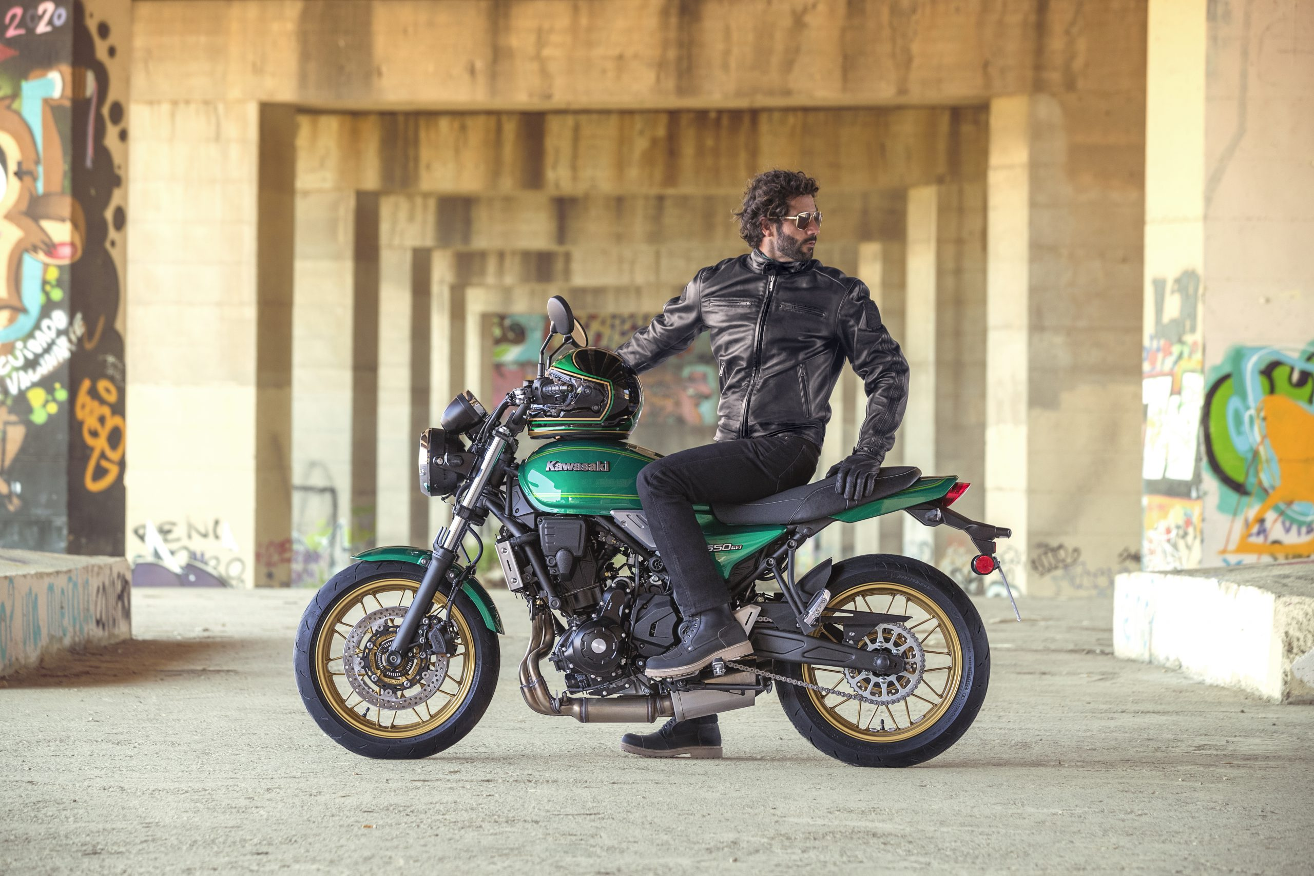 Kawasaki unveils new Z650RS – Motokicx